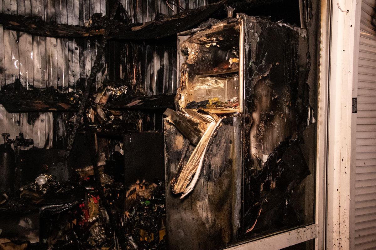Местные жители говорят, что киоски здесь горят регулярно