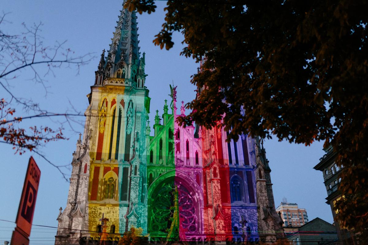 Локациями для этого фестиваля становятся самые разные места в Киеве