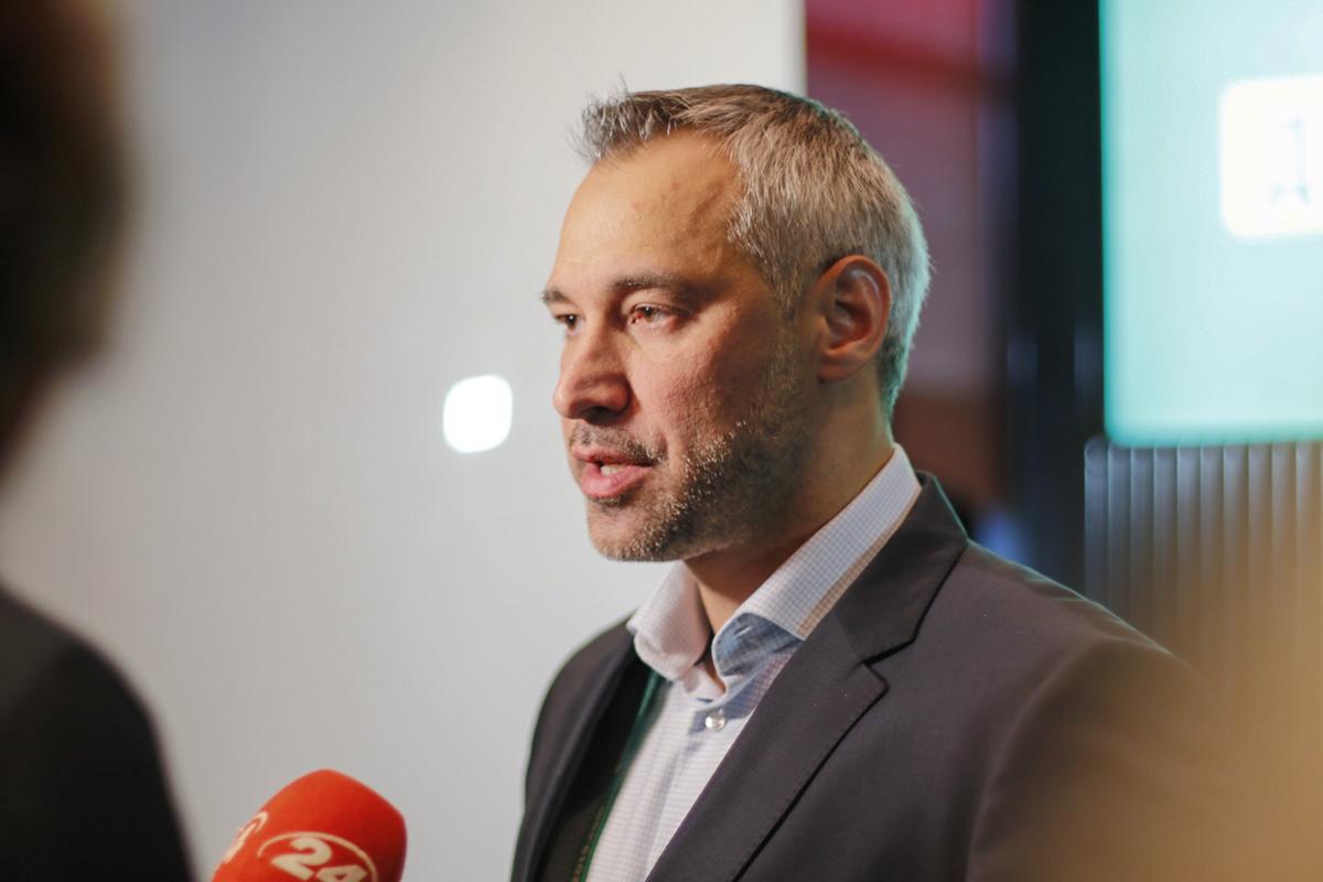 Главный специалист по правоохранительной и антикоррупционной политике в штабе Владимира Зеленского - Руслан Рябошапка