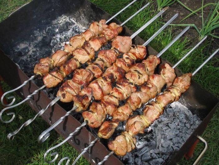 Шашлык из свинины - вкусная классика!