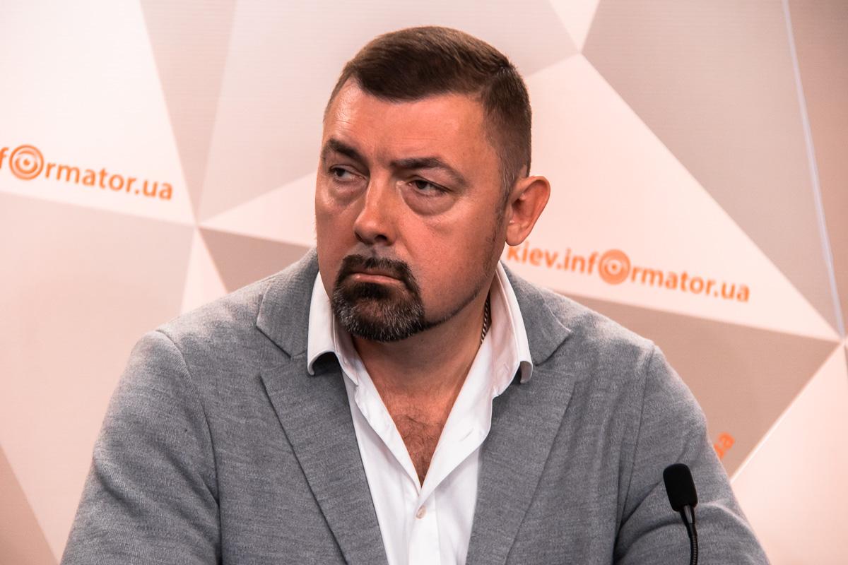Руслан Линда отметил, что в Украине достаточно силовых подразделений, которые могут остановить аферу