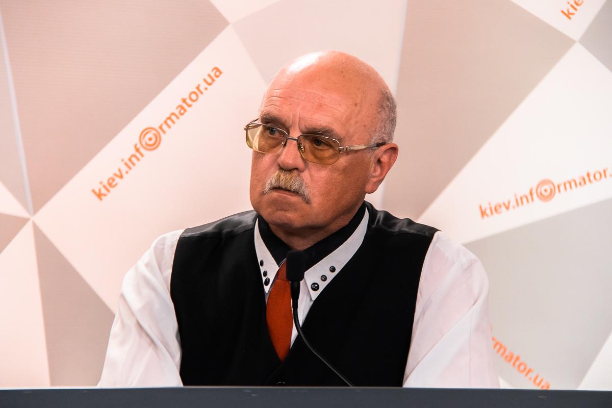 Александр Щоголев добавил, что смена власти может положительно повлиять на остановку аферы на Донбассе