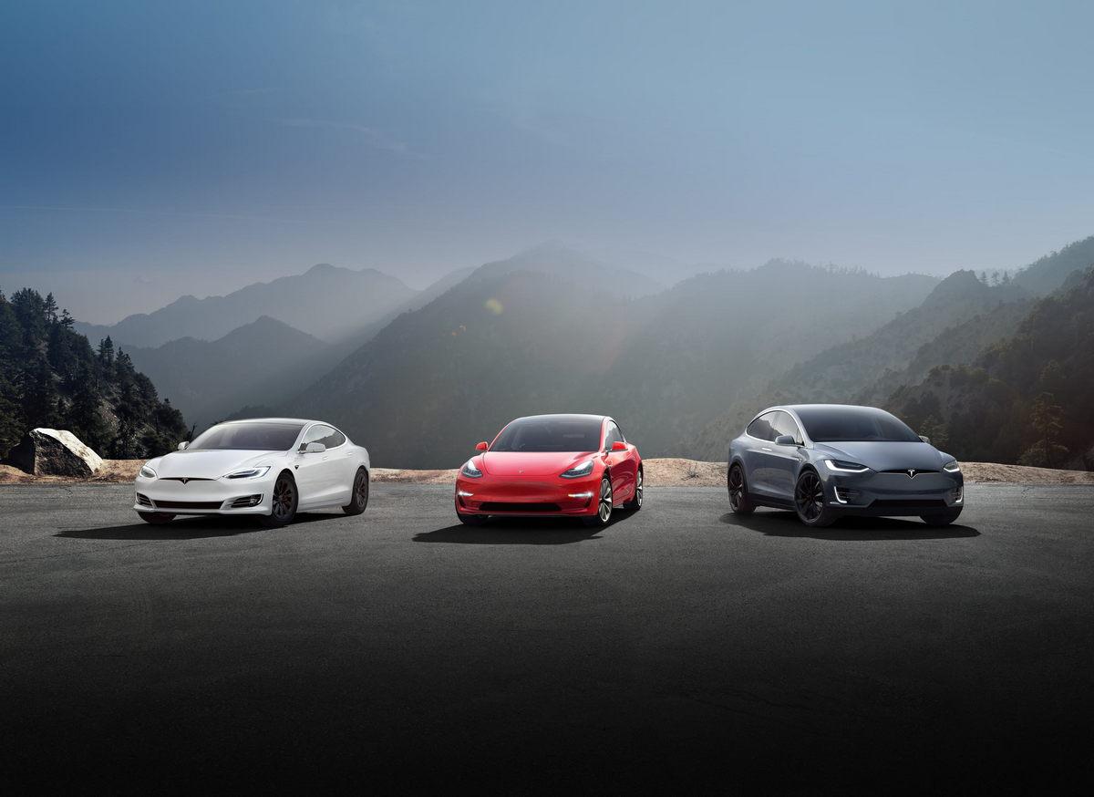Илон Маск, кажется, решил создать полностью автономную систему с распространением, а теперь и страхованием своих авто