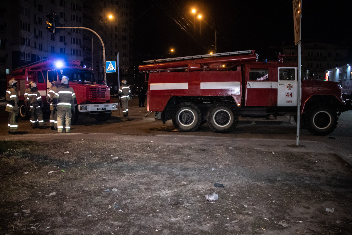 Происшествие случилось ночью на парковке Ашана