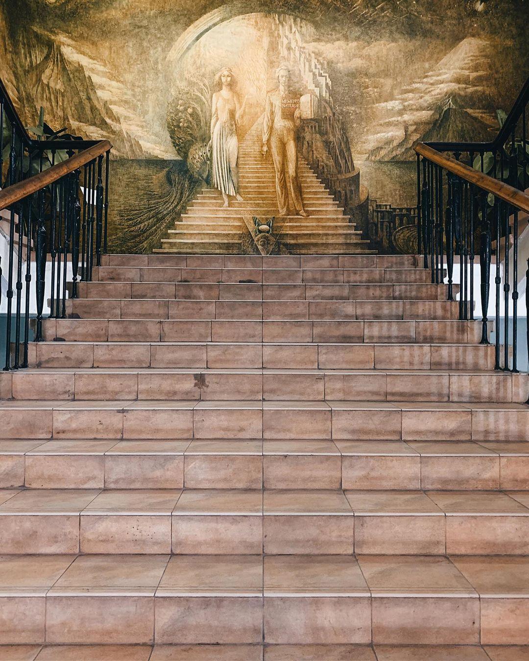 А завершим мы этот топ настоящей stairway to heaven - и да, она находится в Киеве. Фото: @zhukevych