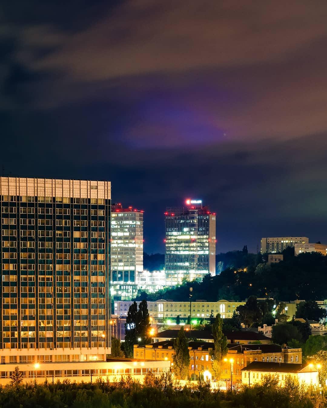 Нашлось в нашем топе место и привычно красивой ночной столице. Фото: @xshtailer