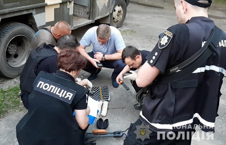 Полицейские изъяли опасные предметы и направили их на экспертизу
