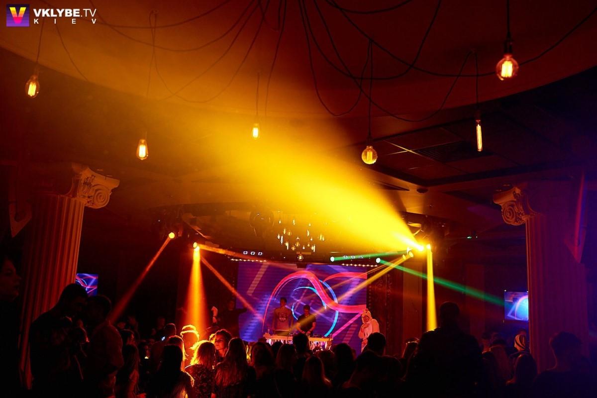 Black and white party в клубе D.Fleur