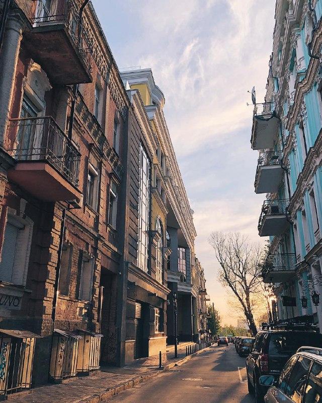 Так просыпается Киев. Фото: @anastasiazi