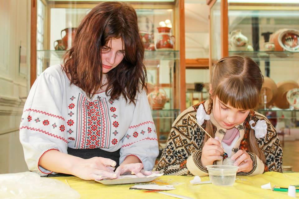 Национальный музей украинского народного декоративного искусства в День вышиванки организовывает познавательную экскурсию