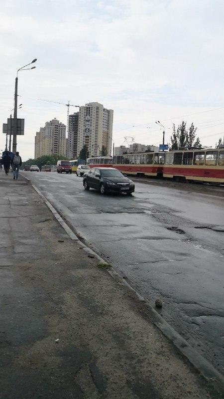 Трамваи стоят с 8:50, планируйте свой маршрут