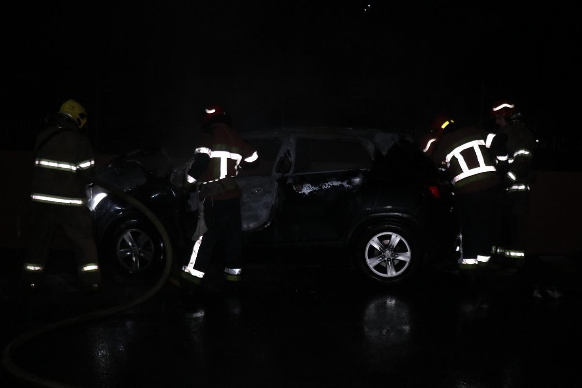 В Днепровском районе горел автомобиль