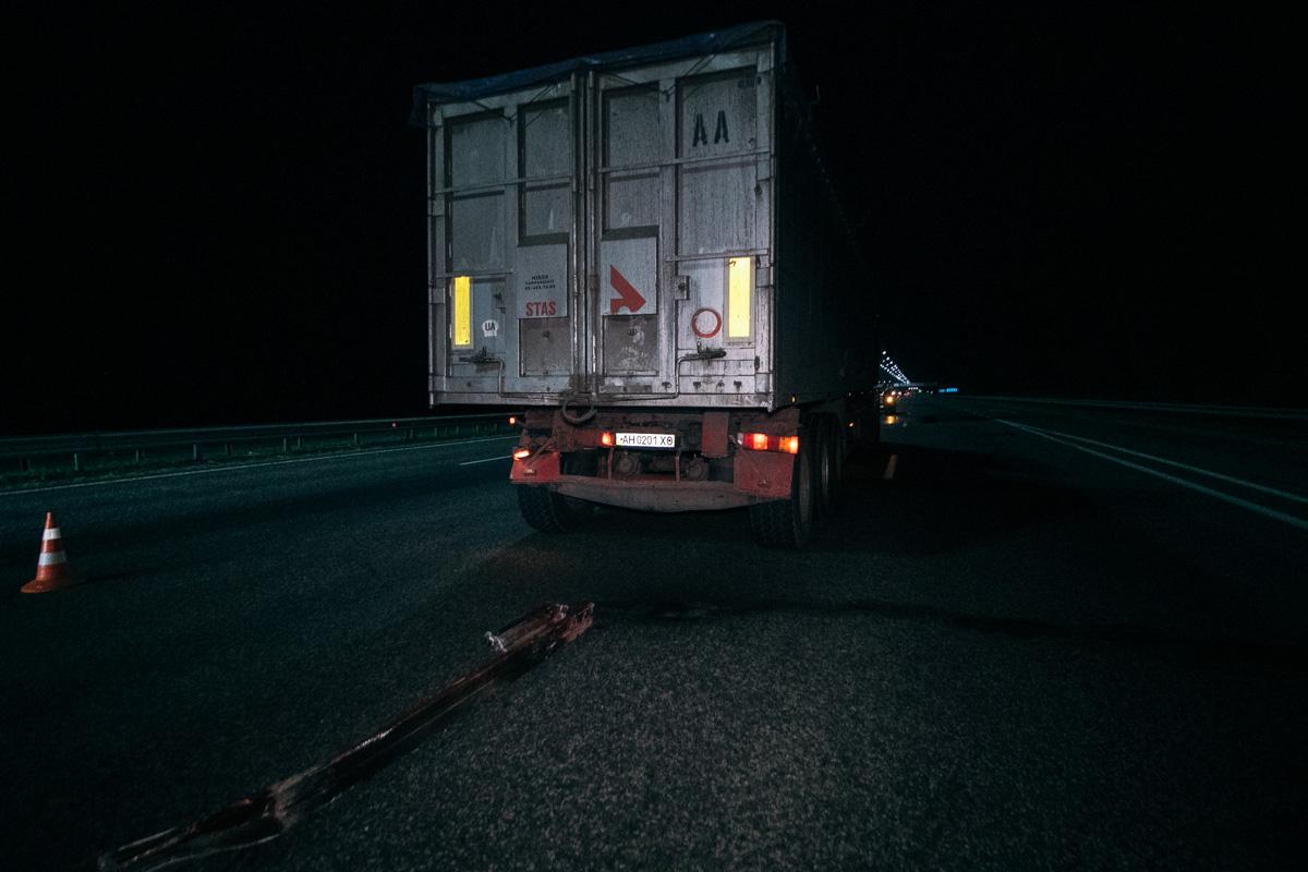 Микроавтобус не успел затормозить и врезался в фуру Renault