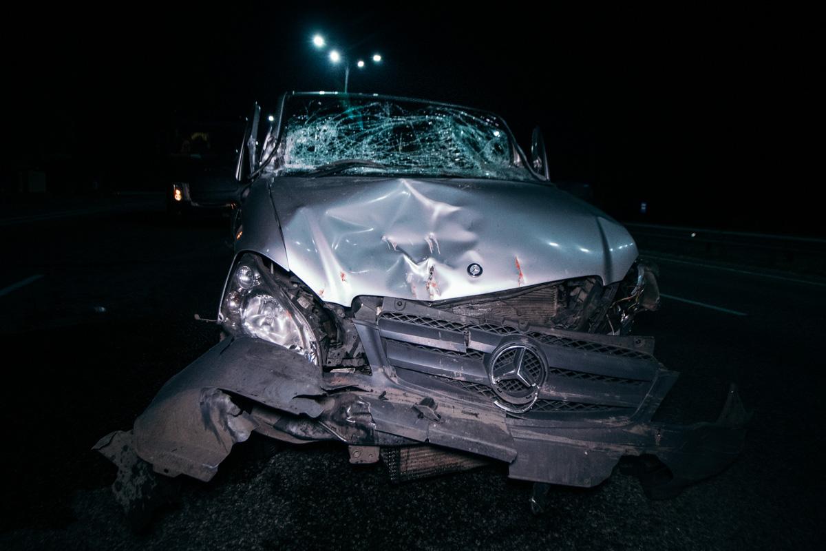 В результате Viano получил серьезные повреждения в лобовой части