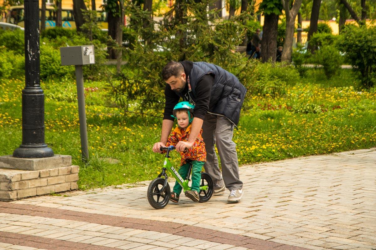 Впрочем, для хорошего настроения совсем необязательны какие-то игровые зоны - нужно только присутствие любящего родителя рядом
