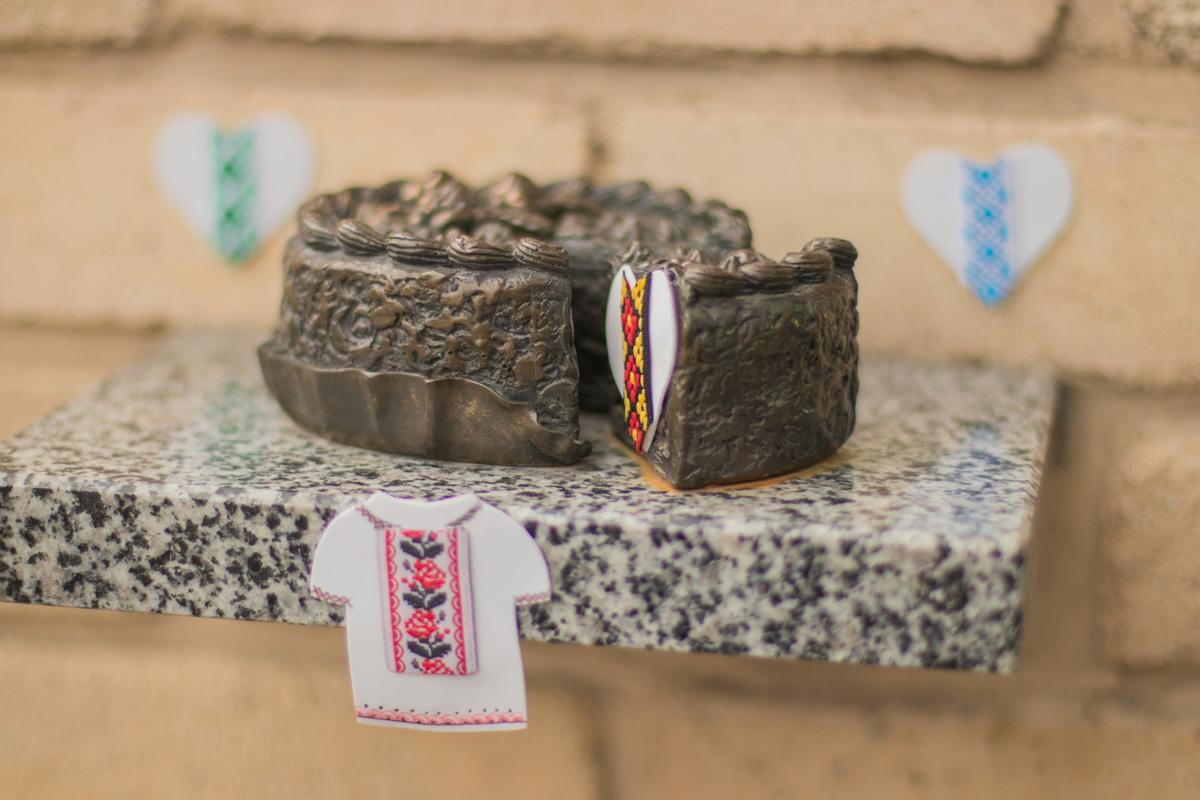 Киевский торт, если честно, наш любимый символ.