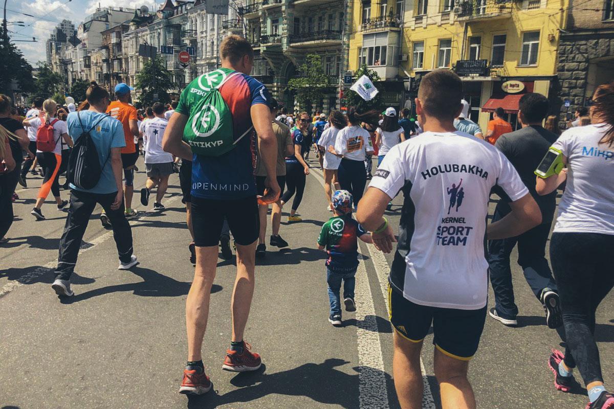 По подсчетам организаторов, на Майдане Независимости собрались более 18 тысяч участников