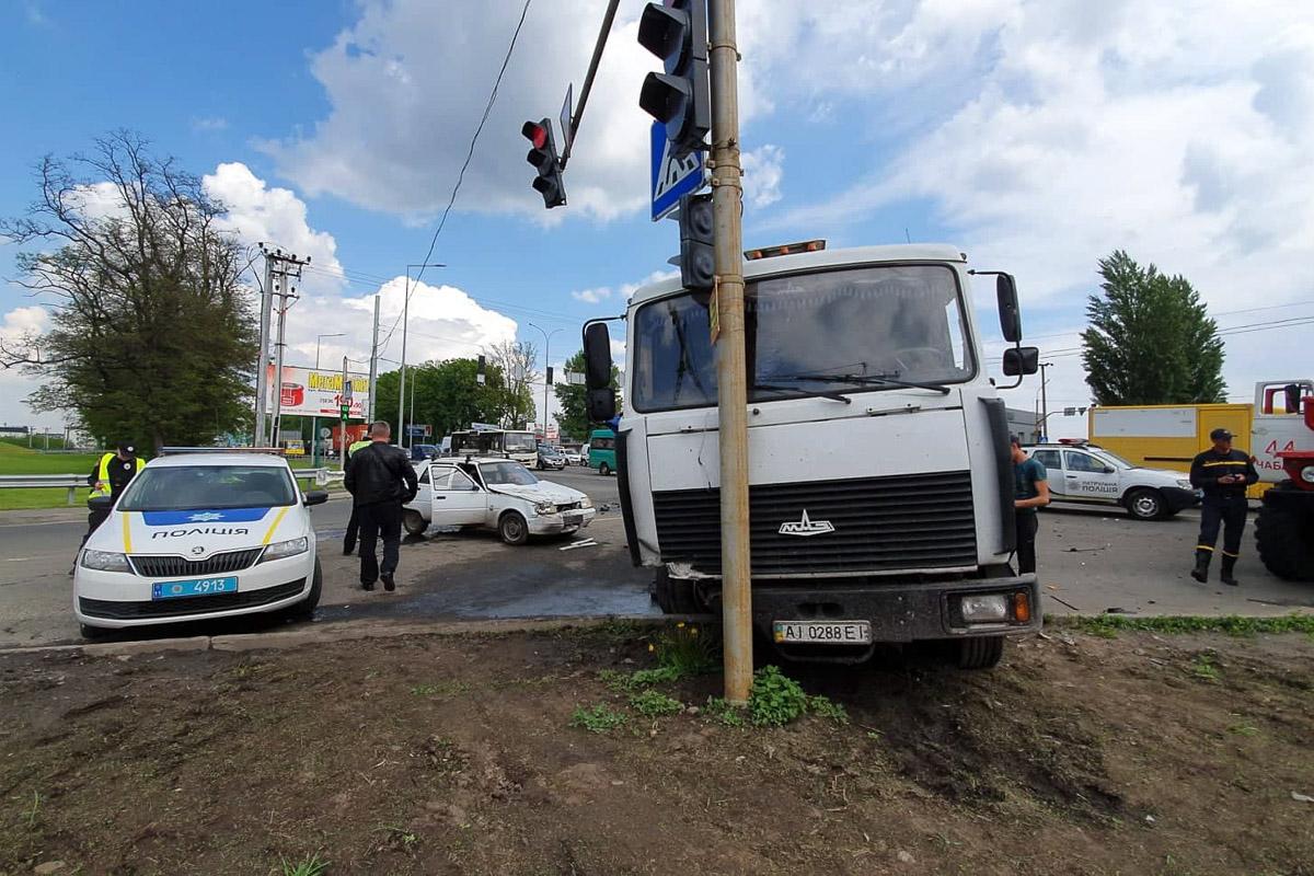 Под Киевом случилось смертельное ДТП