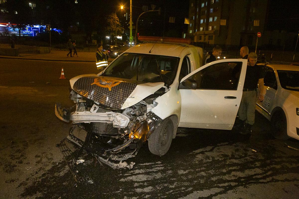 В салоне Renault ехали сотрудники службы охраны
