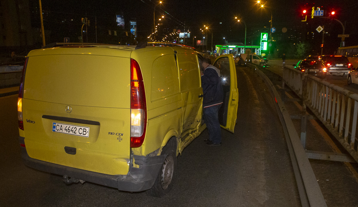 На Чоколовском бульваре столкнулись Renault и Mercedes