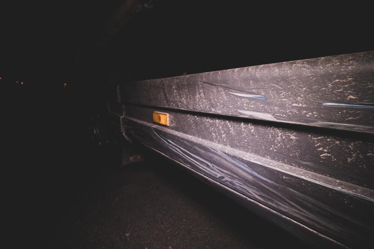 Повреждения на грузовике от столкновения с Opel