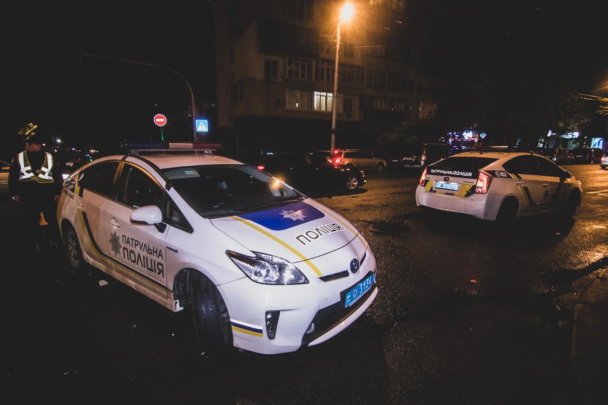 На месте работали несколько нарядов патрульной полиции