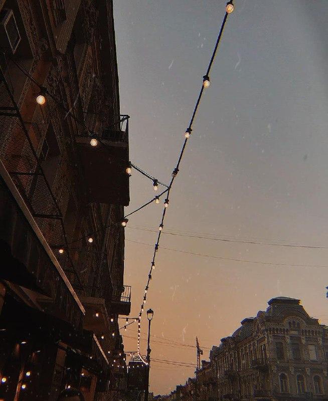Как часто вы поднимаете взгляд вверх, идя по улице? Фото: @malenko_k