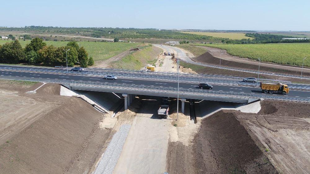 Сейчас новый мост уже введен в эксплуатацию