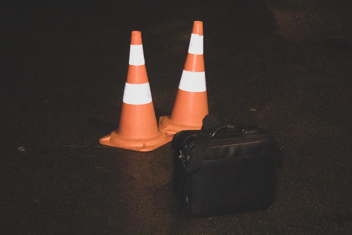 Во дворе жилого дома по адресу Лесной проспект, 13, неадекватный мужчина напал сотрудника полиции