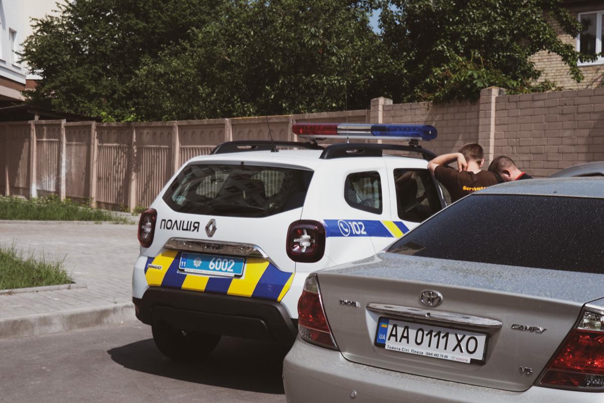 На месте события работал наряд патрульной полиции, следственно-оперативная группа и карета «скорой»
