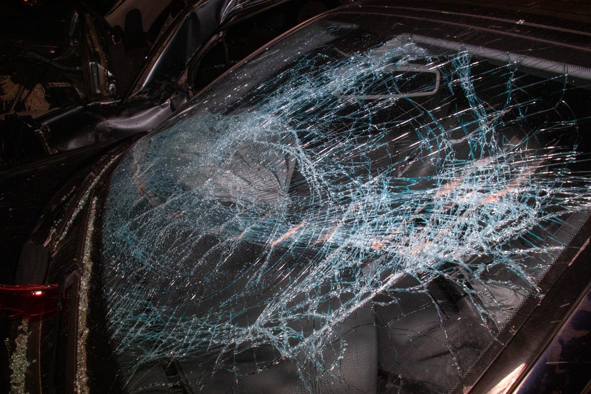 В ночь на 1 мая в Киеве на проспекте Петра Григоренко произошло серьезное ДТП