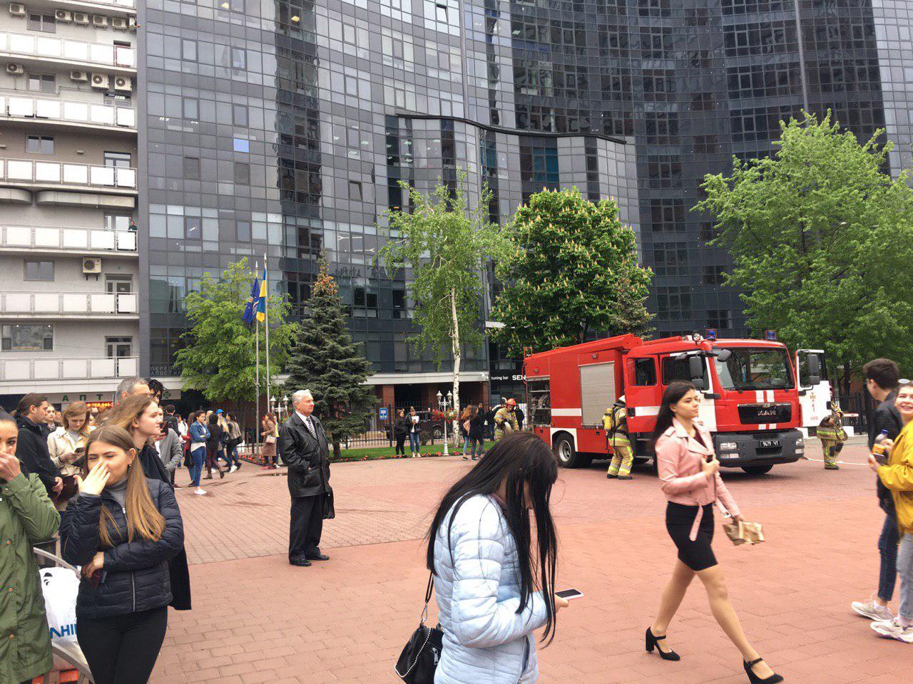 Очаг возгорания находился в одном из кабинетов здания на втором этаже