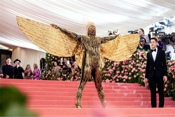 Актер Билли Портер устроил настоящее шоу, перевоплотившись в Клеопатру.