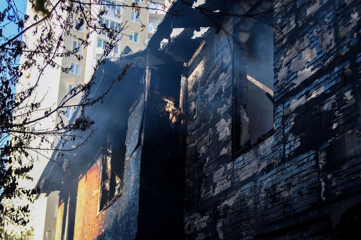 В доме взорвались 2 газовых баллона
