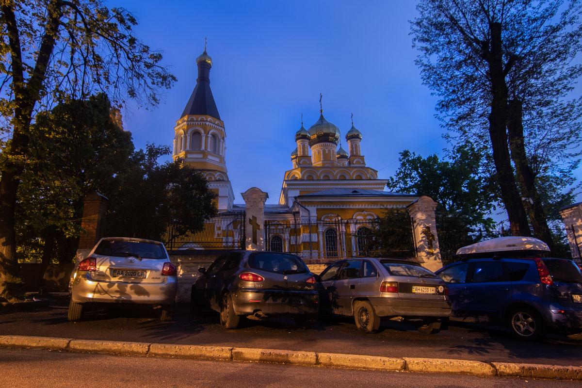 На улице расположена Свято-Покровская церковь, построенная в 1897 году и пережившая несколько реконструкций