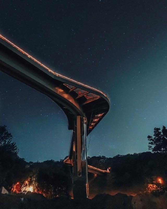 Такой он фигуристый и сексуальный этот новый мост. Фото: @vladvoznyuk