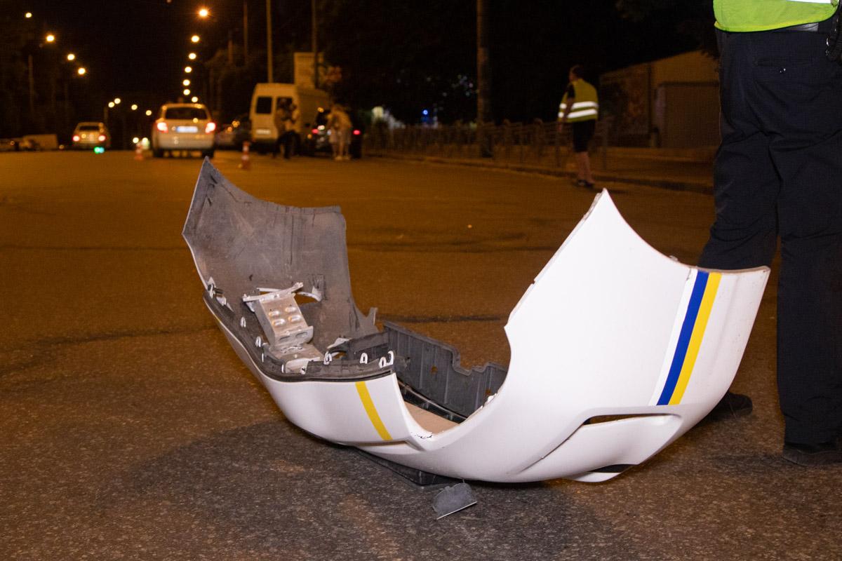 Правоохранители, включив проблесковые маячки, попытались повернуть следом за нарушителем однако не заметилиFabia
