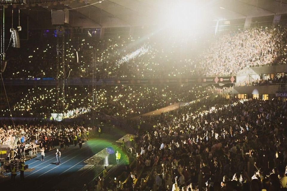 Концерт - это эмоции, а папы зачастую живут в рутине. Подарите ему то, чего не хватает!