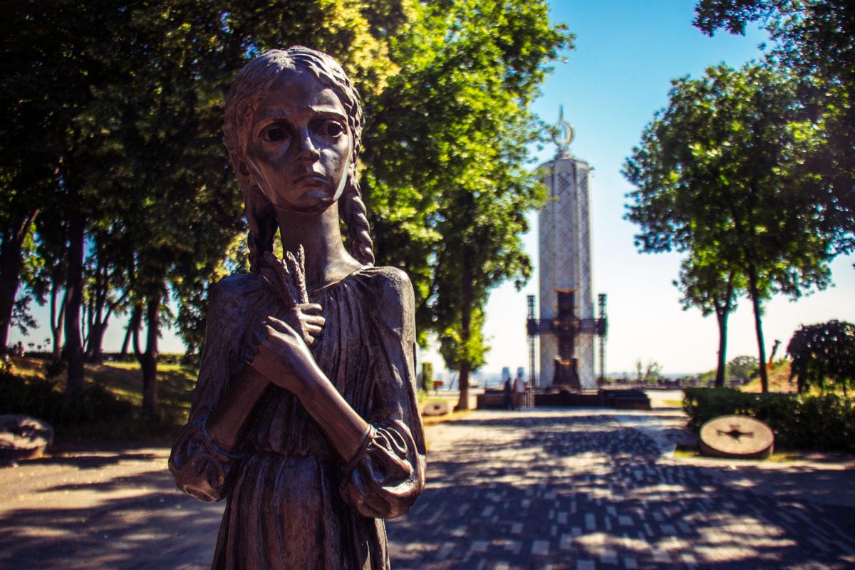 Уже более года в Киеве идет строительство нового мемориала жертвам Голодомора