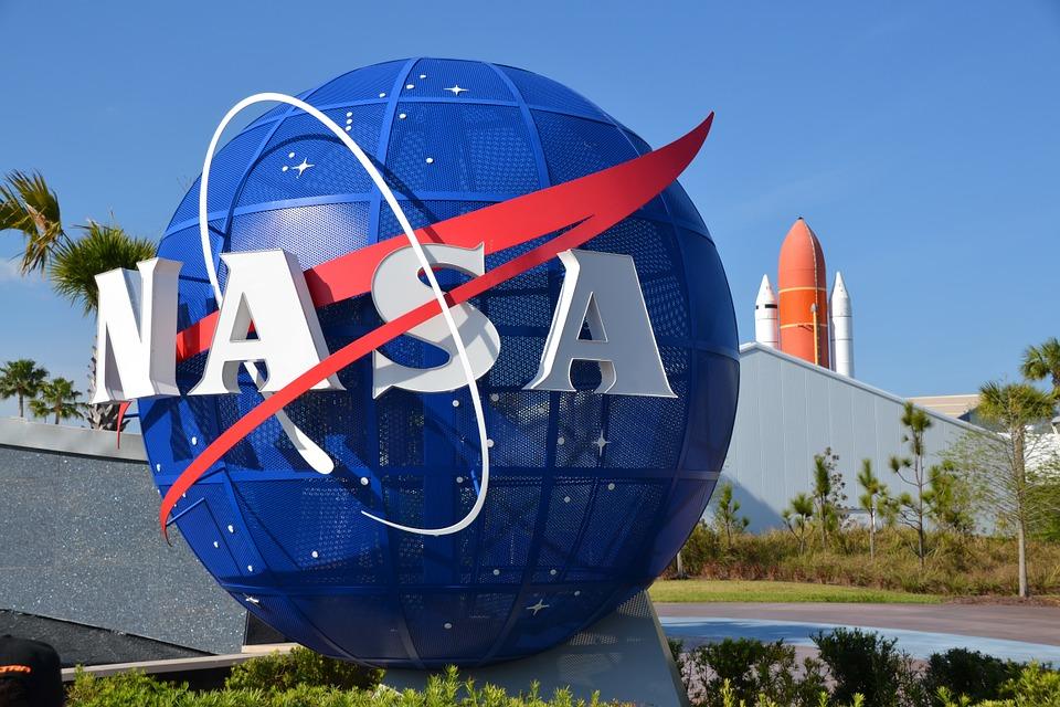Такое решение NASA выглядит как резкий поворот в политике компании
