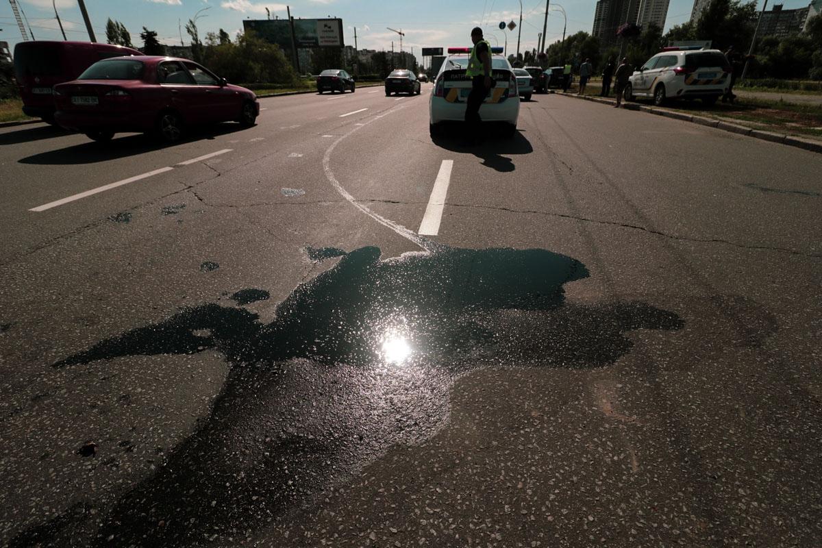 Toyota выезжал со стороны проспекта Маяковского и пересекая перекресток врезался в боковую часть Ford
