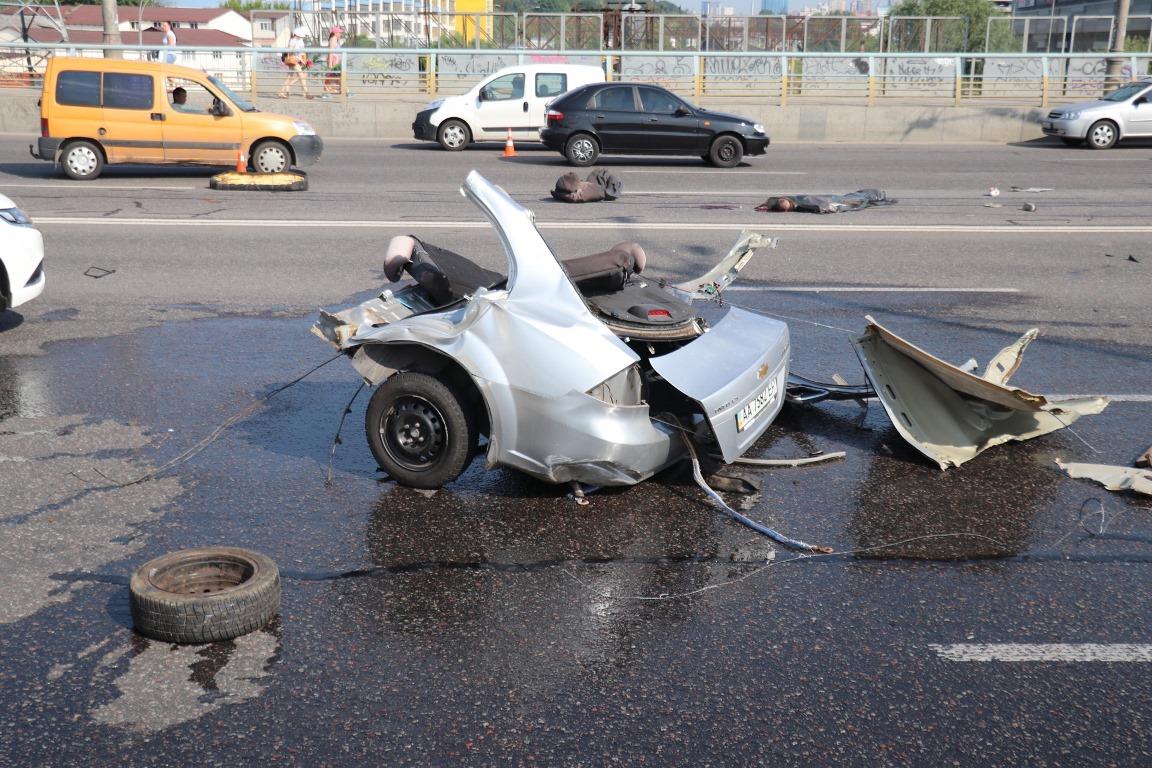 К сожалению, в аварии никто не выжил - погибли четыре человека
