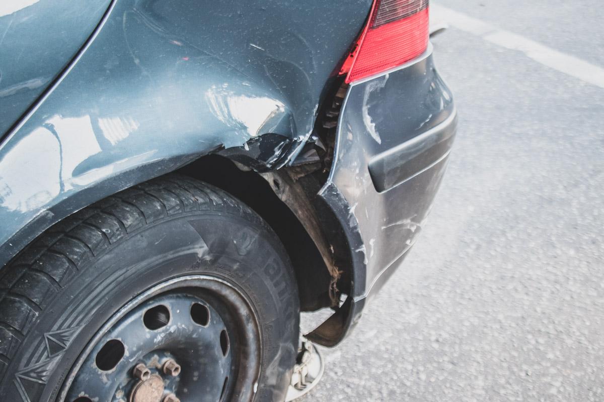 К счастью, водители автомобилей получили лишь незначительные травмы