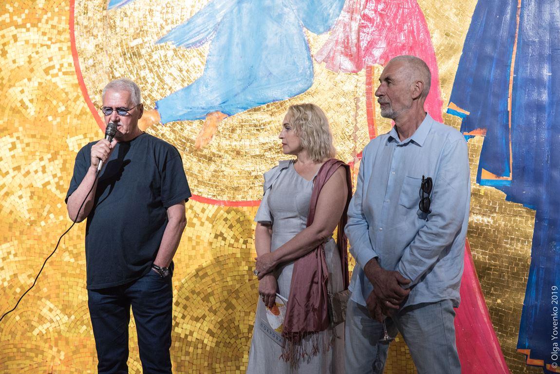 Олеся Авраменко, куратор проекта, вместе с мастерами - Анатолием Криволапом и Игорем Ступаченко