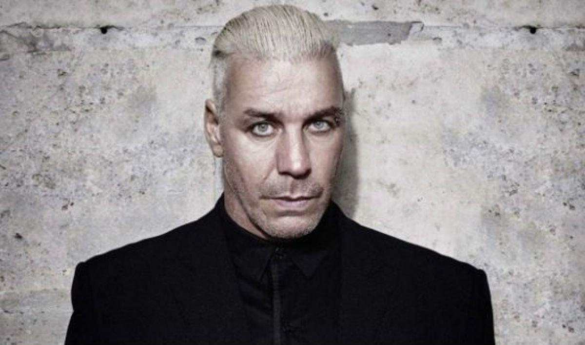 Лидер группы Rammstein сломал своему челюсть поклоннику
