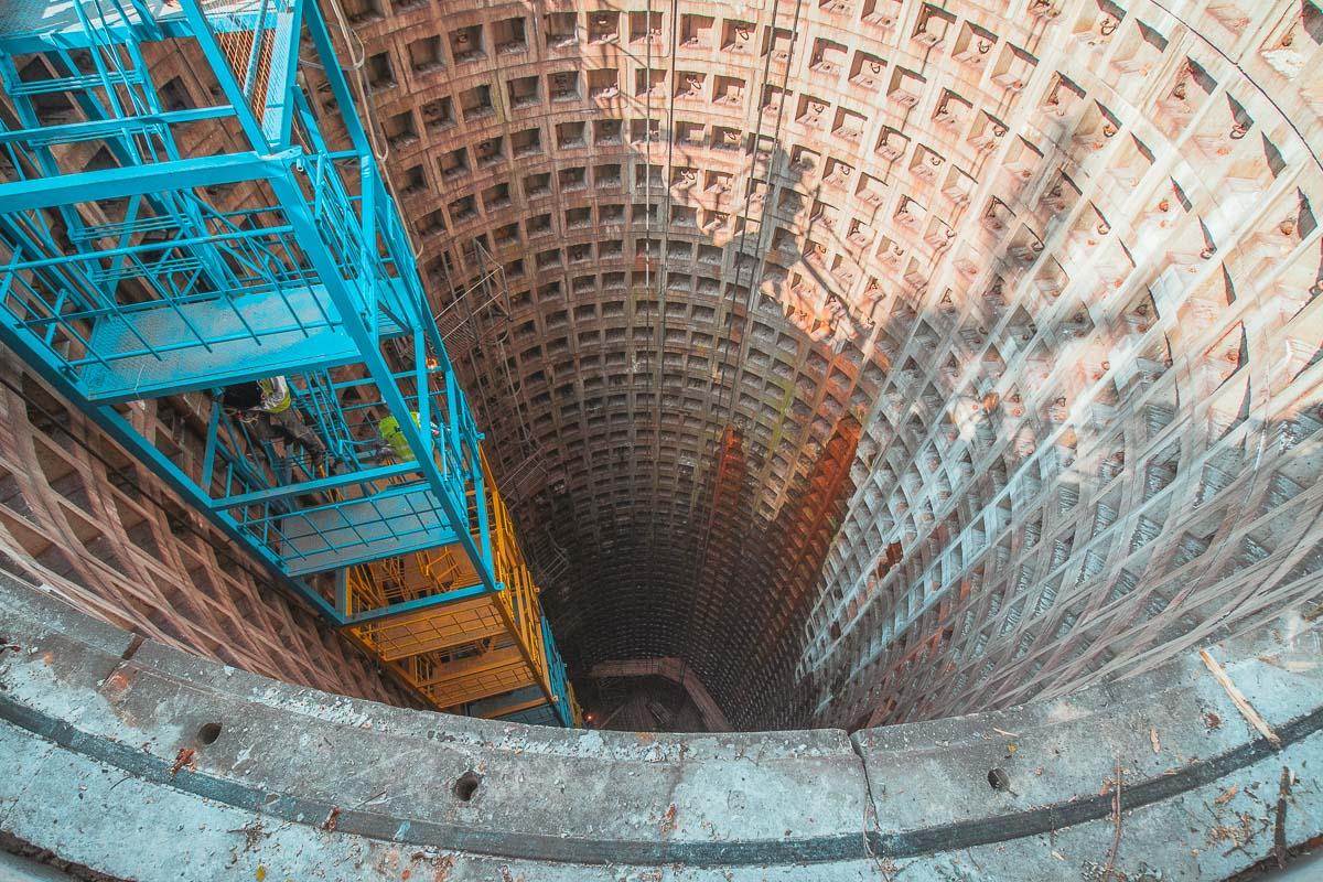 Глубина ствола 44 метра