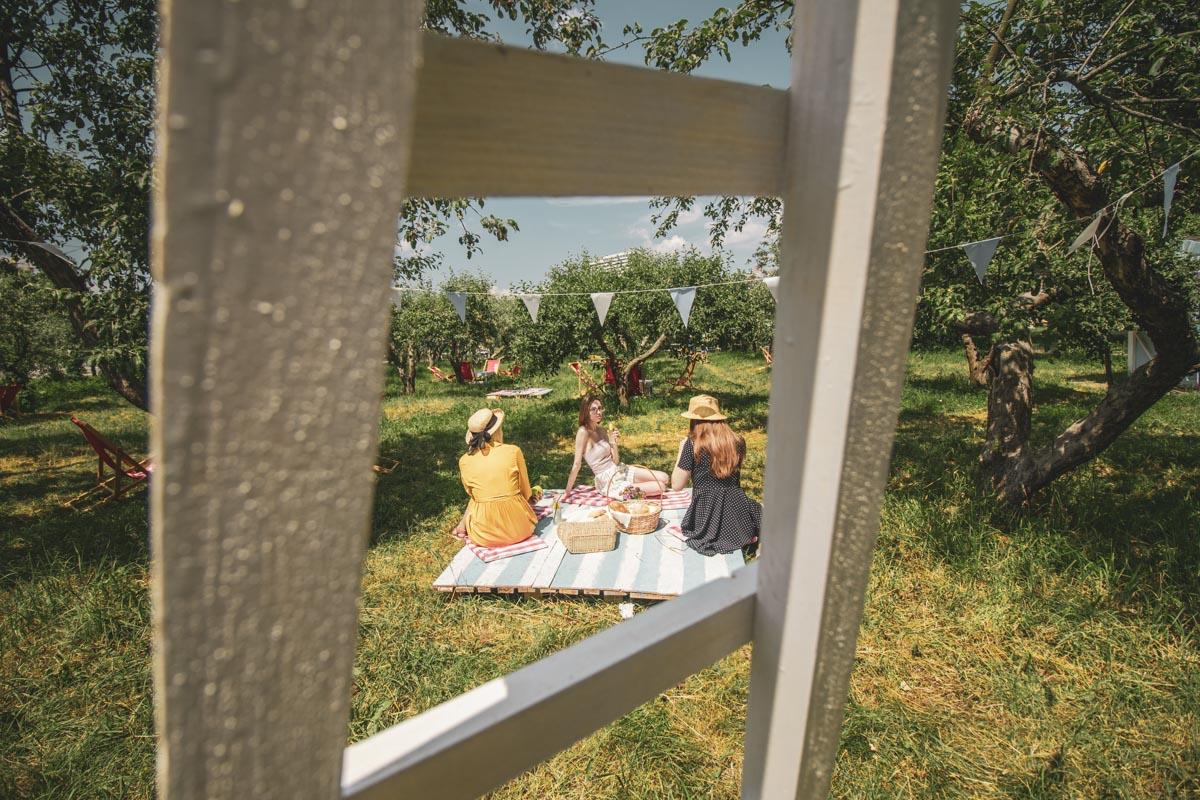 С приходом лета в Киеве открываются все новые и новые локации для крутого отдыха с друзьями, семьей или второй половинкой