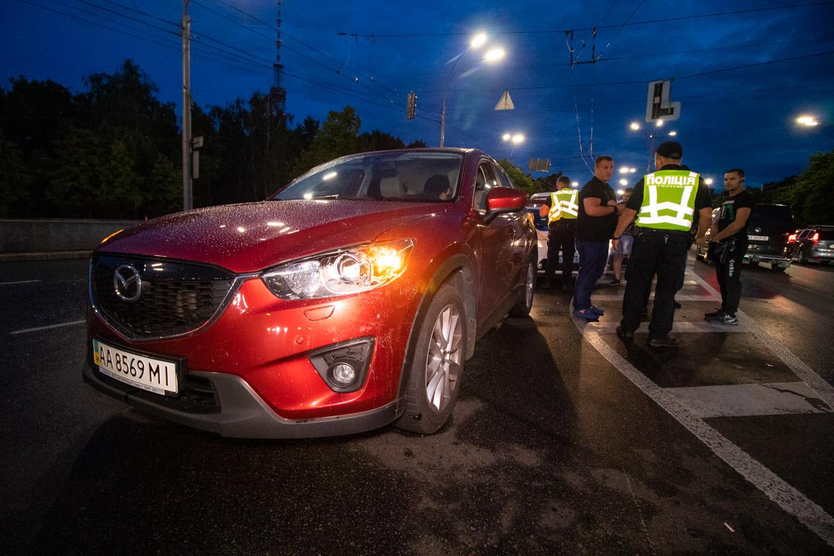 По пути BMW задел и Mazda