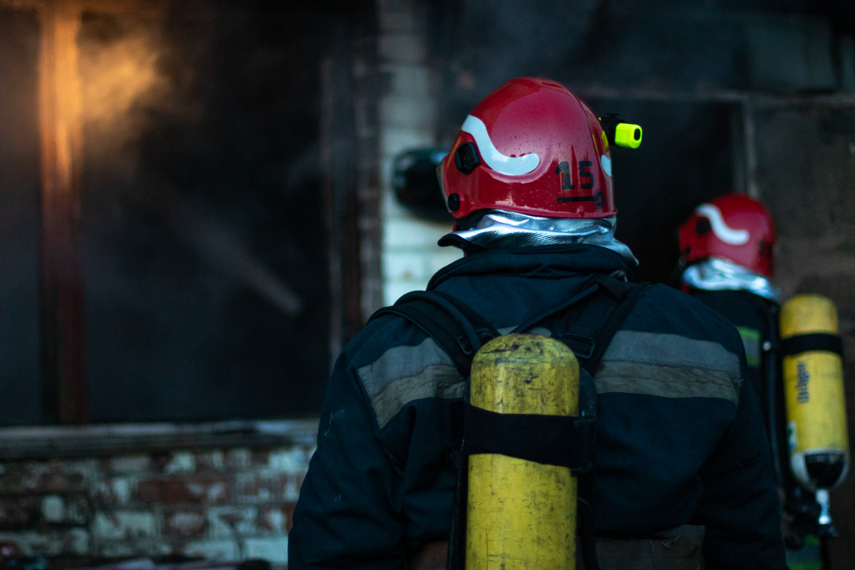 Со стихией сражались около 40 человек при помощи 9 единиц техники