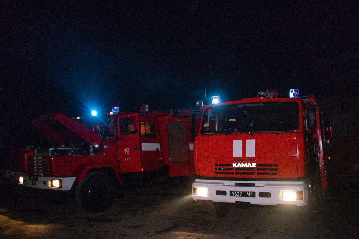 Для ликвидации огня задействовали 9 единиц семейной техники и 36 - личного состава
